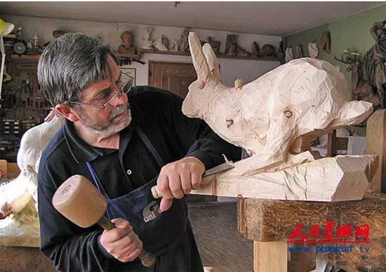 意大利手工木雕大师朱塞佩动物雕塑作品欣赏