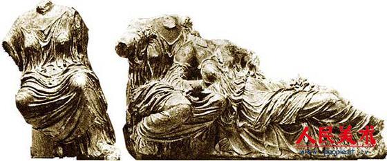 菲狄亚斯《命运三女神》