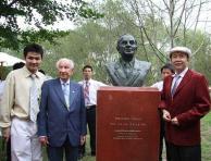 萨马兰奇雕塑揭幕