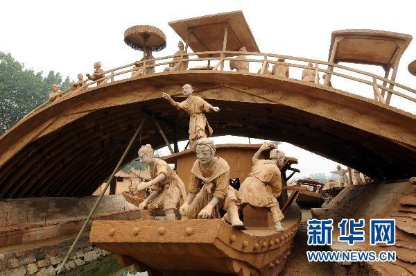 河北唐山打造泥塑实景《清明上河图》
