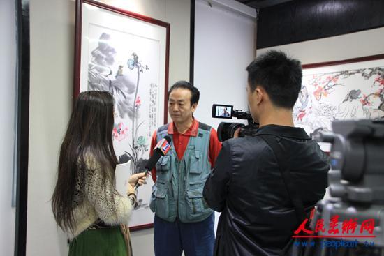 10、李人毅在接受深圳电视台采访.JPG