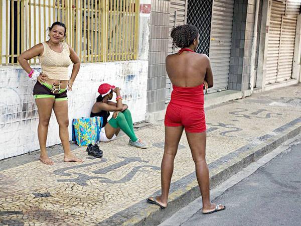 妓女色色网_巴西街头妓女摩拳擦掌备战世界杯(组图) - 人民美术网