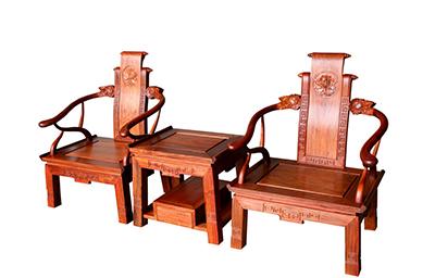 除此之外的木材制作的家具都不能称为红木家具