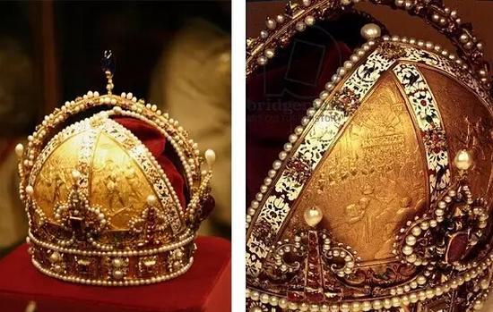 女王的石榴石皇冠