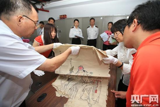 拱北海关向珠海市博物馆移交182件文物(图)