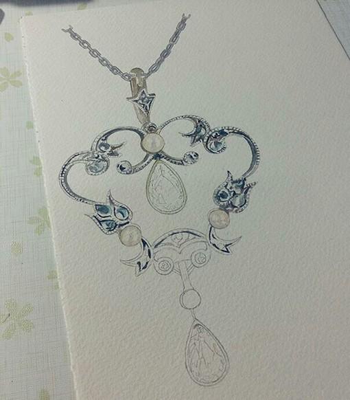 林淑莹Echo用水彩手绘精美的蓝宝石项链