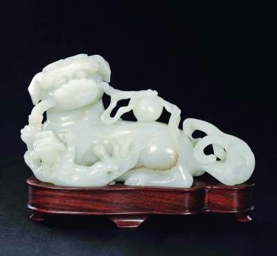 2015中国嘉德秋拍卖会拍卖品 清早期 玉雕《太狮少狮》摆件