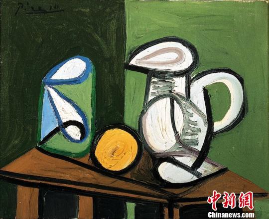 毕加索参展作品:《静物:壶、玻璃杯和橙子》,1944年7月23日。(成都博物馆供图) 钟欣 摄