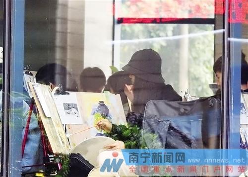 考生在进行色彩科目考试。记者赖有光摄