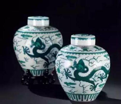 清乾隆 绿彩龙纹盖罐 (一对) 尺寸 高22cm