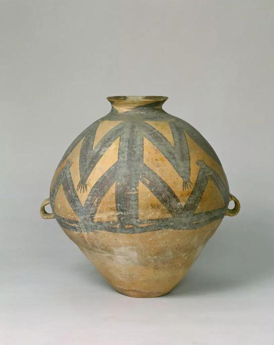 马家窑文化彩陶蛙纹壶