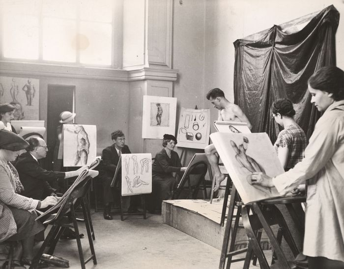 1200px-Archives_of_American_Art_-_A_life_class_for_adults_at_the_Brooklyn_Museum,_under_the_auspice_of_the_New_York_City_WPA_Art_Project_-_11039
