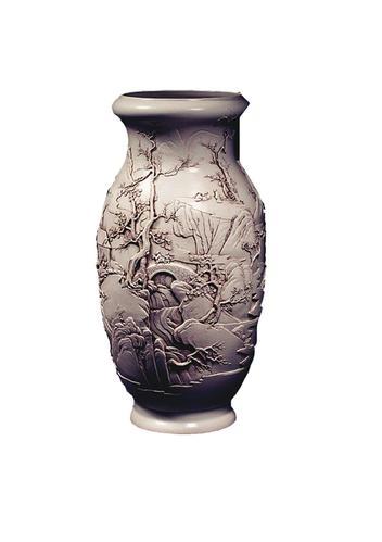 白釉雕瓷蒜头瓶