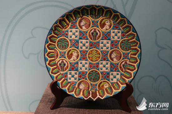 图片说明:法国马略尔卡工艺彩陶盘