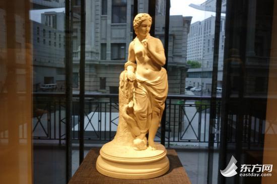 图片说明:19世纪经典人物精细白瓷