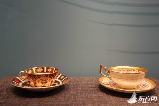 图片说明:19世纪法国塞夫勒描金彩绘茶杯和杯碟