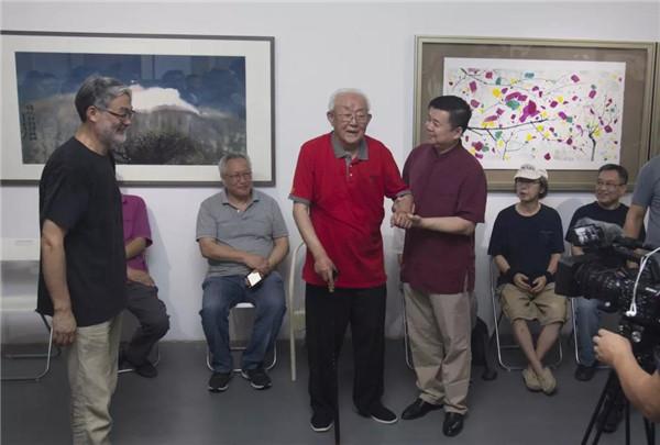 艺术家周韶华开幕致辞.jpg