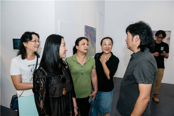 艺术家王义明先生与观众交流.JPG