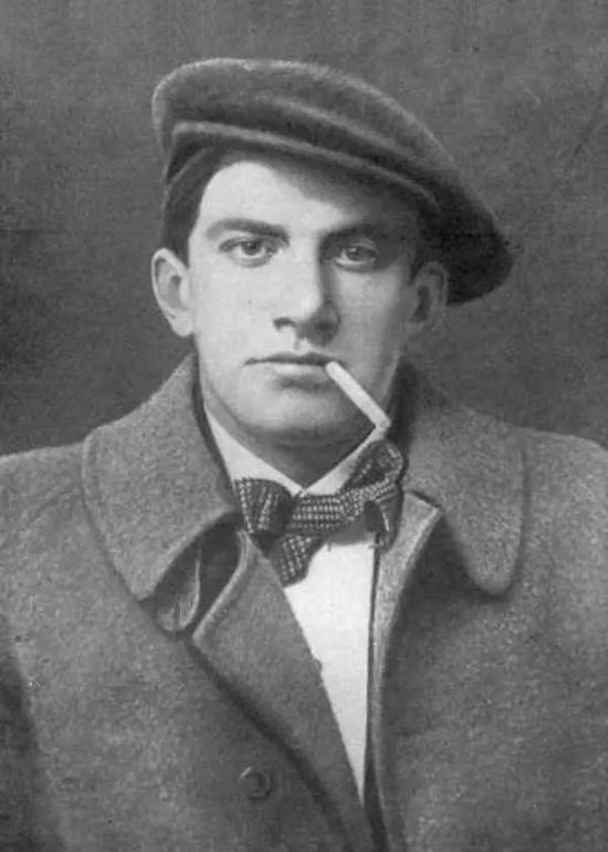 """俄罗斯未来主义代表人物""""革命诗人""""马雅可夫斯基"""